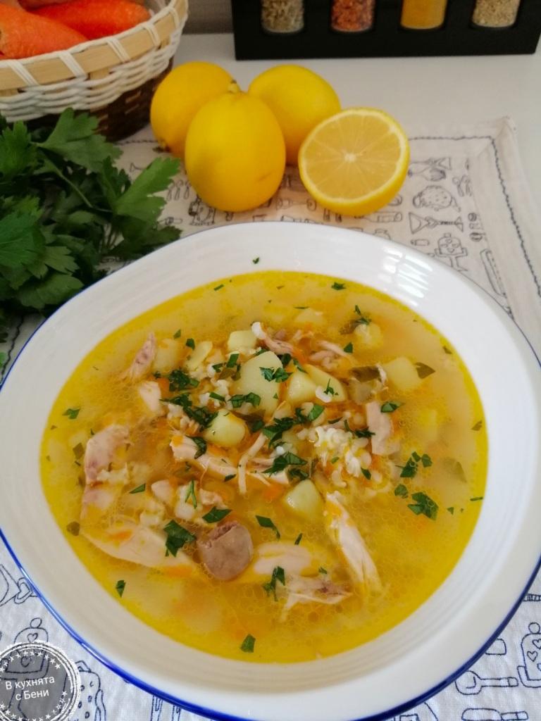 Пилешка супа от https://inthebeniskitchen.com/