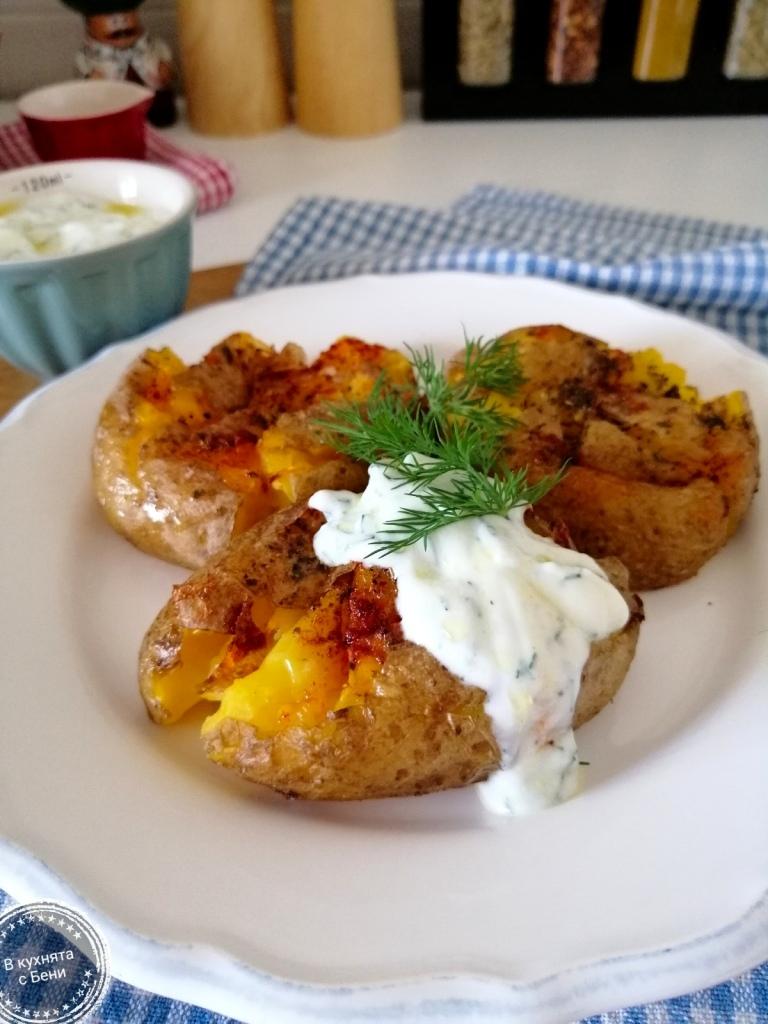 Печени картофи от https://inthebeniskitchen.com/