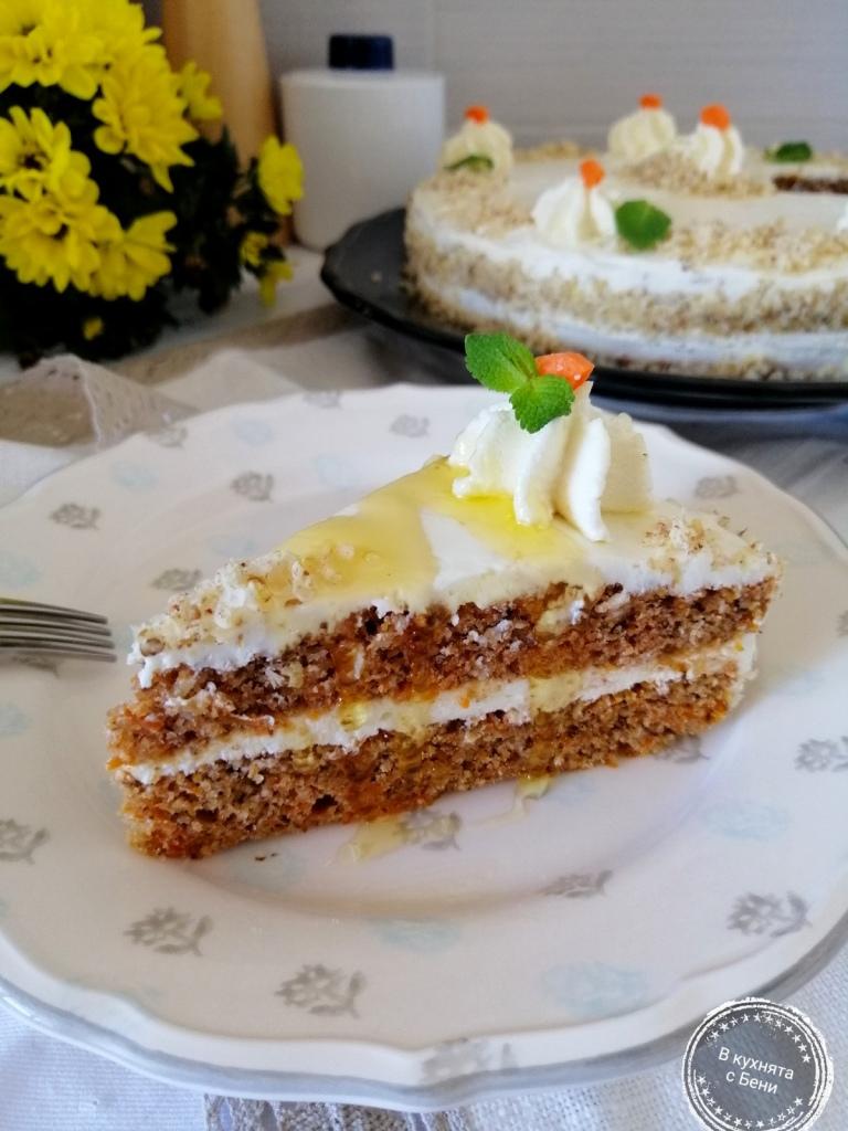 Морковена торта от https://inthebeniskitchen.com/