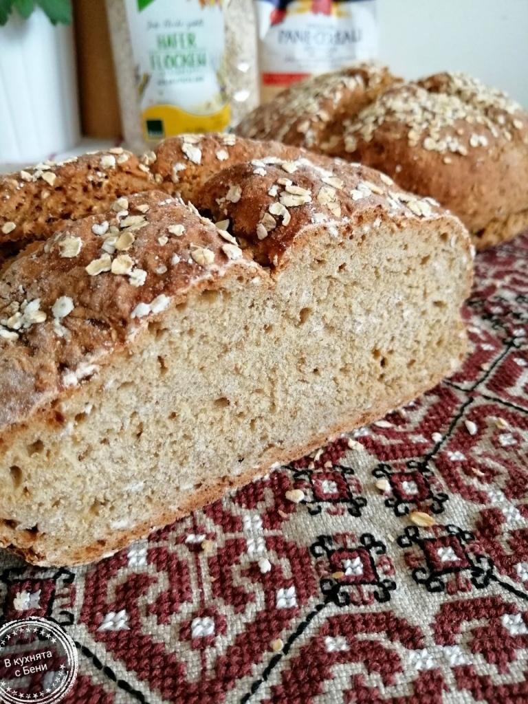 Хляб с овесени ядки от https://inthebeniskitchen.com/