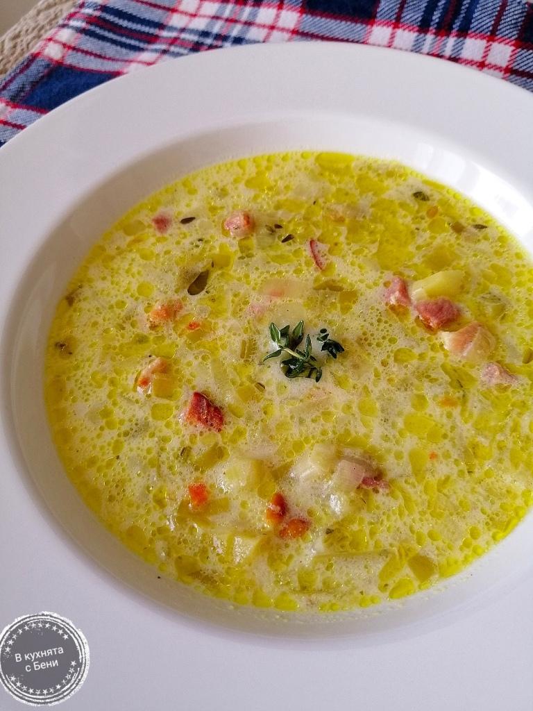 Супа с праз и бекон от https://inthebeniskitchen.com/