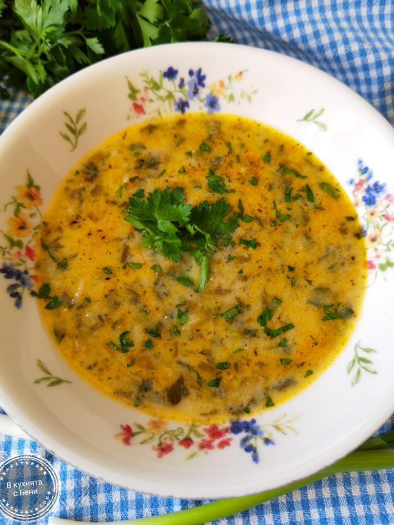Супа от коприва от https://inthebeniskitchen.com/