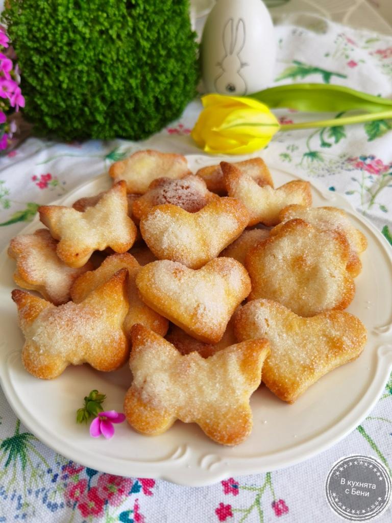 Бисквити с крема сирене от https://inthebeniskitchen.com/