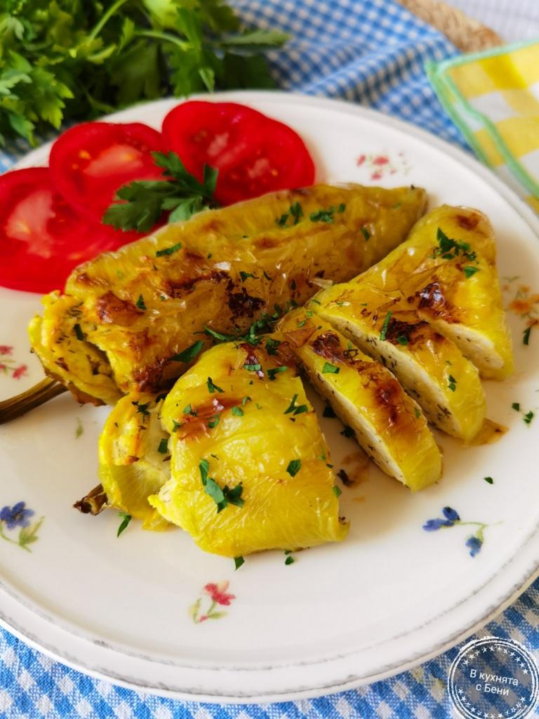 Печени чушки с яйца и сирене от https://inthebeniskitchen.com/